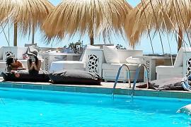 Der Puro-Beachclub ist seit vielen Jahren eine Klasse für sich auf der Insel.