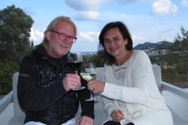 Christof Blaesius und Babette Schulze auf der Terrasse ihres Hotels bei Son Servera.