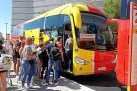 Flughafenbusse in Ferienorte auf Mallorca verkehren wieder