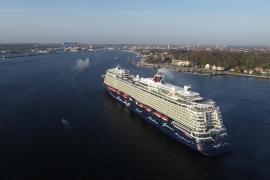 Erster Oceanliner seit 15 Monaten im Hafen von Palma ist ein deutsches Schiff