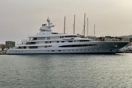 Yacht eines mexikanischen Multimilliardärs macht in Palmas Hafen fest