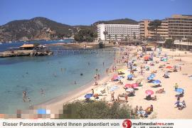 Noch immer keine Liegen und Schirme auf dem Traumstrand von Camp de Mar