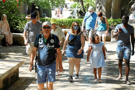 Die Masken fallen zögerlich bis enthusiastisch auf Mallorca