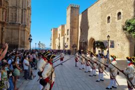 Farbenfrohe Wachablösung vor Almudaina-Palast in Palma findet wieder statt