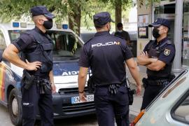 Polizei führt Mann bei Armengol-Pressekonferenz am Flughafen ab