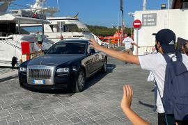 Der Rolls Royce des Superstars im Hafen von Port d'Alcúdia.