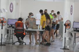 Balearen-Regierung will mehr Jugendliche für Impfung motivieren