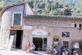 Große Supermärkte gibt es in Deià nicht. Allerdings kann man in kleinen Bauernlädchen frische lokale Produkte erwerben.