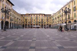 Polizei löst Aufnahme eines Musikvideos auf Plaza Mayor in Palma auf