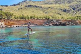 Wassersport-Trend: E-Foil-Surfen auf Mallorca
