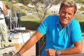 Dieter Bohlen zeigt im Bademantel Fans sein Luxusanwesen auf Mallorca