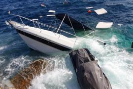 Leckgeschlagenes Motorboot mit deutschen Passagieren kracht gegen Palmas Hafenmole