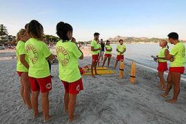 Strandwächter von Alcúdia fühlen sich ausgebeutet