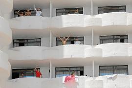 Spanische Abschlussschüler infizierten auch niederländische Jugendliche auf Mallorca