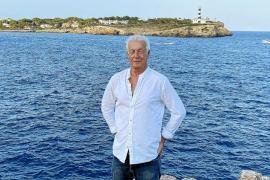 omas de Niero lebt seit 20 Jahren auf Mallorca. Das Foto entstand in Portocolom zwei Wochen nach seiner zweiten Nierentransplantation.