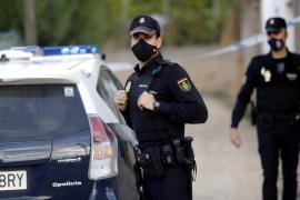 Polizei löst Trinkgelage mit 500 Menschen an Playa de Palma auf