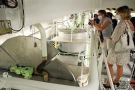Der Maschinenraum ist ein Gewirr aus Gängen, Rohren und Apparaturen.
