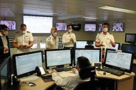 In der Kommandozentrale für den Maschinenraum haben die Überwacher fast jede Schraube fest im Blick.