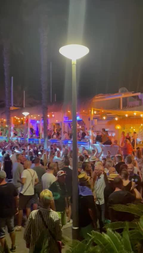 Illegale Party an der Playa de Palma