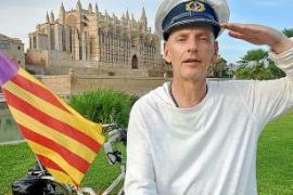 Dieser Deutsche fuhr auf einem Klapprad von Iserlohn nach Mallorca