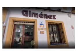 Um diese Büros kommen Mallorca-Auswanderer nicht herum