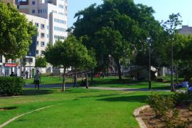 50 Jugendliche liefern sich Massenschlägerei nahe Plaça d'Espanya in Palma