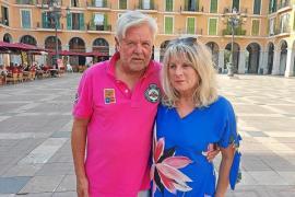 Petra Klebe-Voigtberger und Herbert Klebe leben seit zwei Wochen in ihrem Ferienhaus im Süden der Insel.