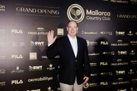 Fürst Albert weiht Tennis-Club auf Mallorca ein