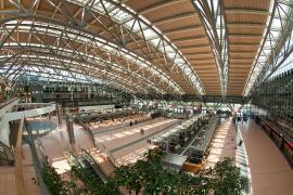 An Sicherheitskontrolle in Hamburg: Frau entwendete Mann Uhr vor Mallorca-Flug
