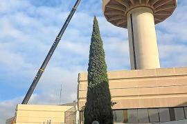 Neue Radarantenne auf Kontrollturm auf Mallorca-Flughafen installiert
