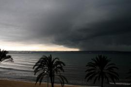 Sturmfront zieht über Mallorca