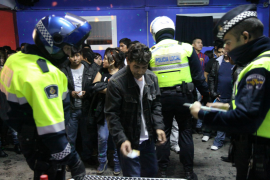 Polizei schließt illegale Diskotheken