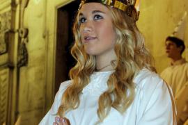 Schweden auf Mallorca begingen Santa-Lucia-Fest vor dem Rathaus in Palma