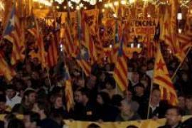 1300 demonstrieren für Unabhängigkeit