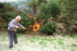 Wann darf man im Garten Feuer machen?