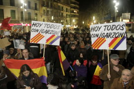 300 demonstrieren für Richter Garzón