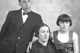 Zerstörtes Familienidyll: Emili Darder mit Frau und Tochter.