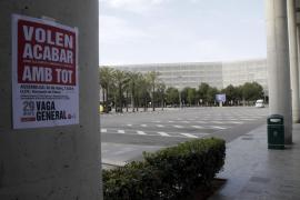 Generalstreik auf Mallorca, verwaister Busbahnhof am Airport.