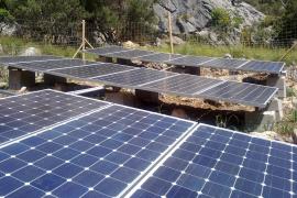 Solarzellen liefern die Energie für das Licht im Tunnel.