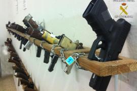 Polizei versteigert Waffenarsenal