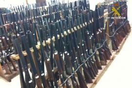 Fast 500 Waffen kommen unter den Hammer.