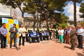 Feierliche Eröffnung des Küstenbüros durch Calviàs Bürgermeister Manuel Onieva.