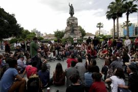 """Auch am Sonntag demonstrierten die """"Empörten"""" auf der Plaça d'Espanya."""