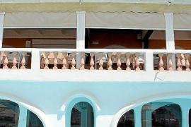 Pool, Fenster, Balkon ...