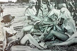 Eine Filmszene mit Skandinavierinnen am Strand.