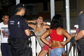 Polizei nimmt Hütchenspieler fest