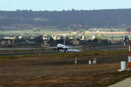 Drei Leichtverletzte durch Flugturbulenzen