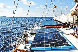 An Bord der Alaina gibt es Solarzellen und energieeffiziente Geräte.