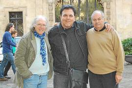 v. l. n. r.:Gustavo, Regisseur Toni Bestard und Miguel Vidal