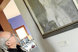 Adolfo Estrada vor einem seiner poetischen Frauenporträts.